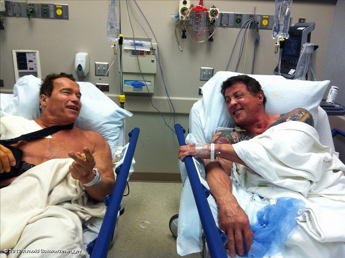 Schwarzenegger and Stallone shot (with a camera!)