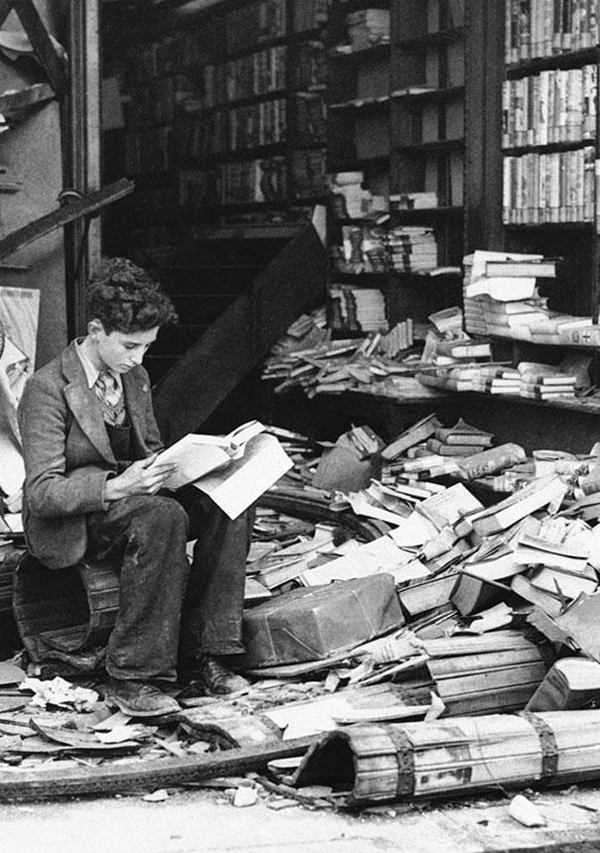 20.) A ruined London bookstore that was damaged in an air raid in 1940.