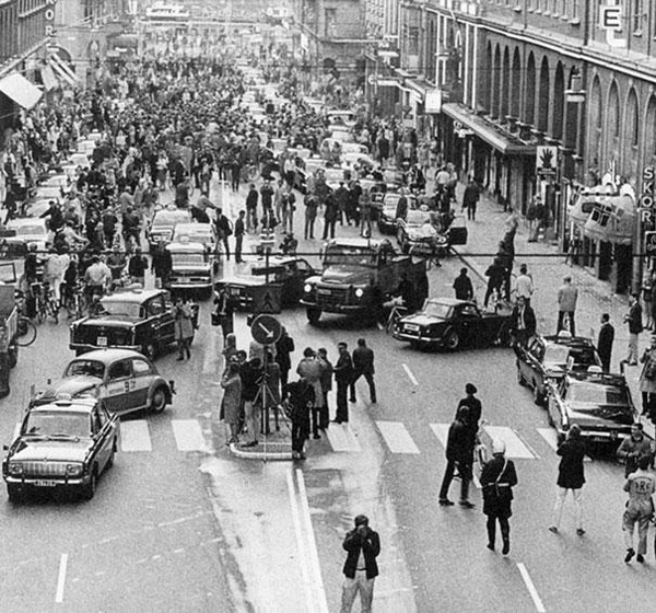 40.) What happened when Sweden began driving on the right side of the road in 1967.